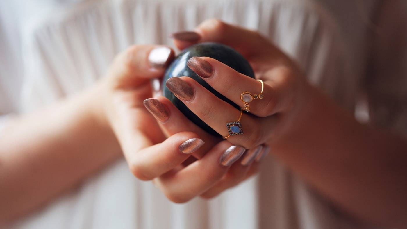 setting intentions for your crystals